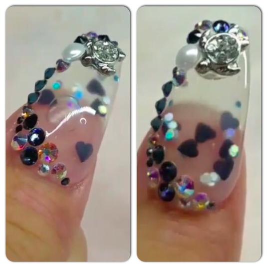acquarium nails.png